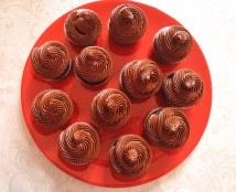 czekoladowe babeczki z musem czekoladowym
