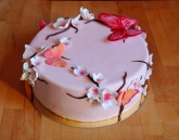 kwiaty wiśni i motyle tort