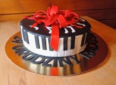 tort dla pianisty - klawiatura fortepianu
