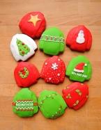 tradycyjne pierniczki miodowe brzydki, świąteczny sweter