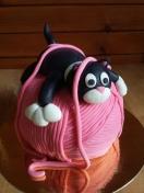 kot na pęczku włóczki - tort